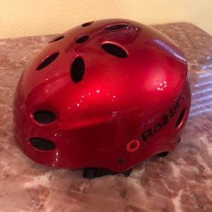 Razor helmet in red